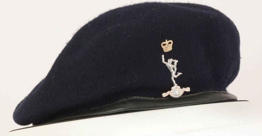 R_SIGNALS_CAP badge