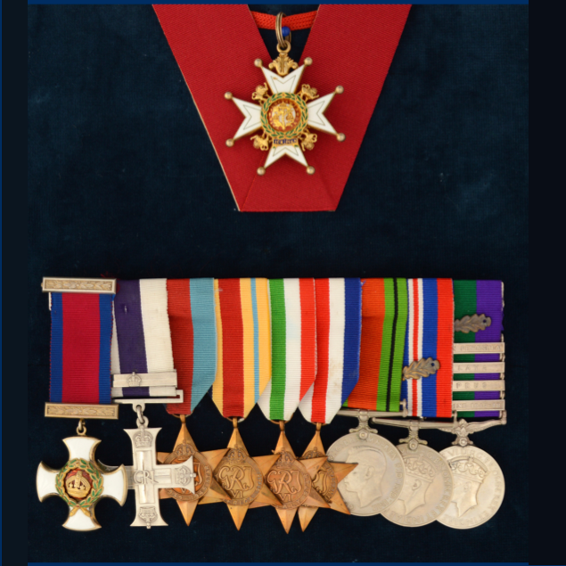 Royal Signals medals and uniform