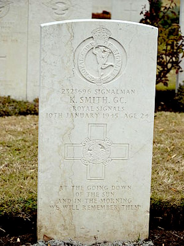 Sig Ken Smith GC George Cross headstone